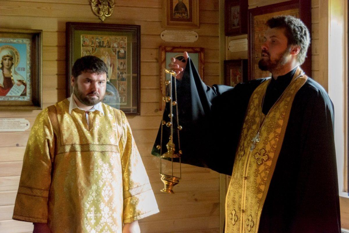 Божественная Литургия в храме св. Ольги
