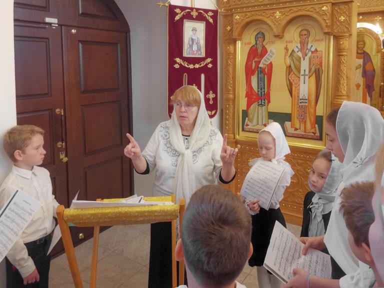 Объявляется набор в детско-юношеский хор нашего храма.